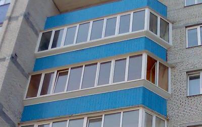 Остекленные балконы многоэтажки
