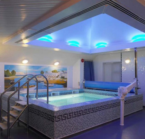 Современный дизайн внутренних бассейнов
