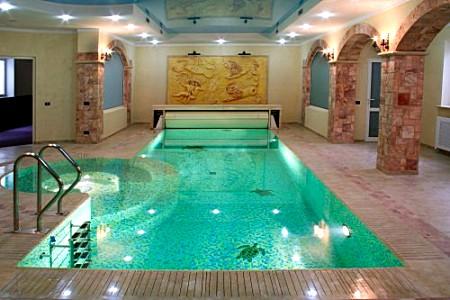 Бетонный внутренний бассейн