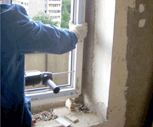 Крепление дюбелем сквозь раму окна