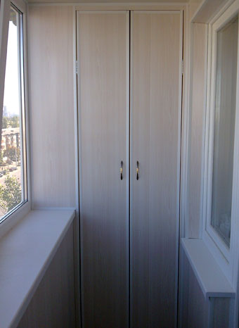 Шкафчик на балкон пвх.