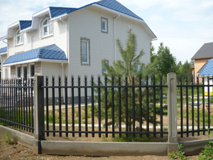 металлический забор для дачи