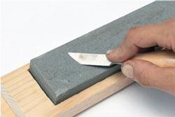 Соблюдение угла заточки поможет сделать лезвие ножа оптимально острым